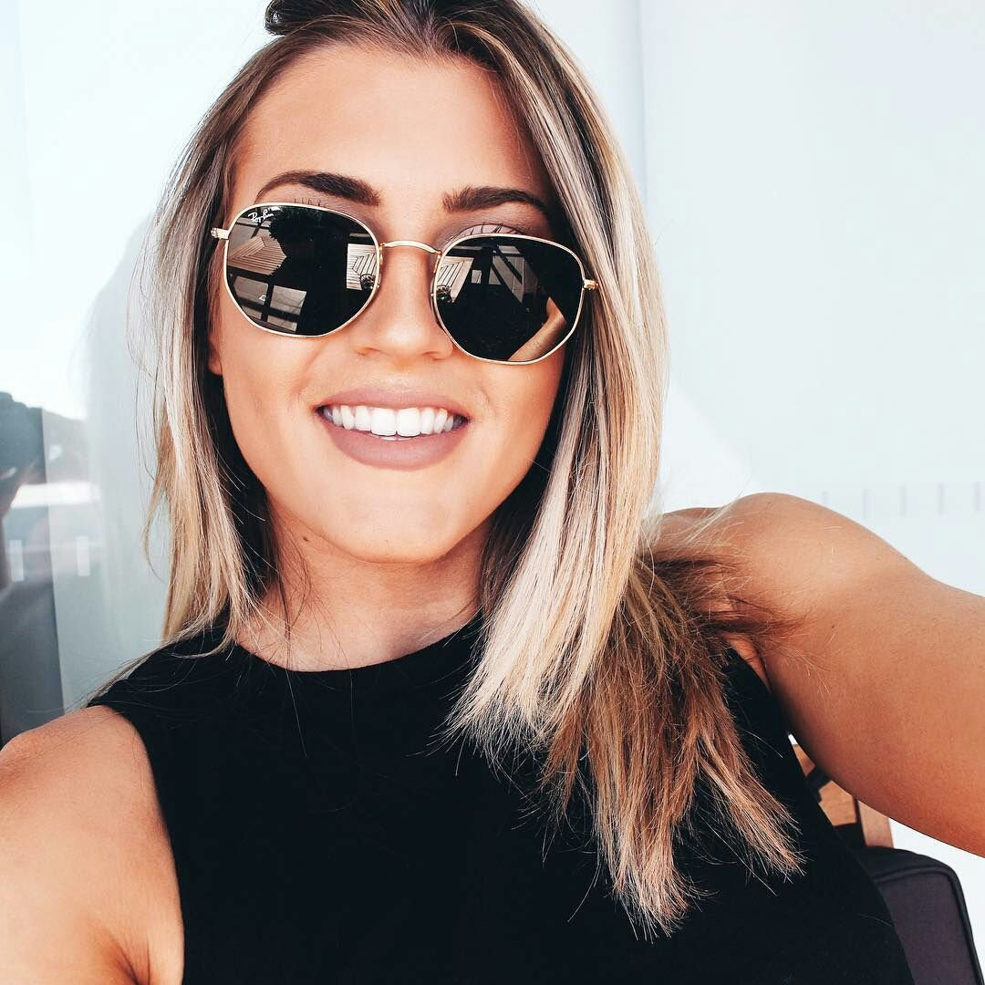 Jenn Gibson in RayBan Hexagonal  sunglasses  shades  fashion  streetstyle   bloggers  models  topmodels  gafas  gafasdesol  lunettesdesoleil   occhialidasole 5605a9815e