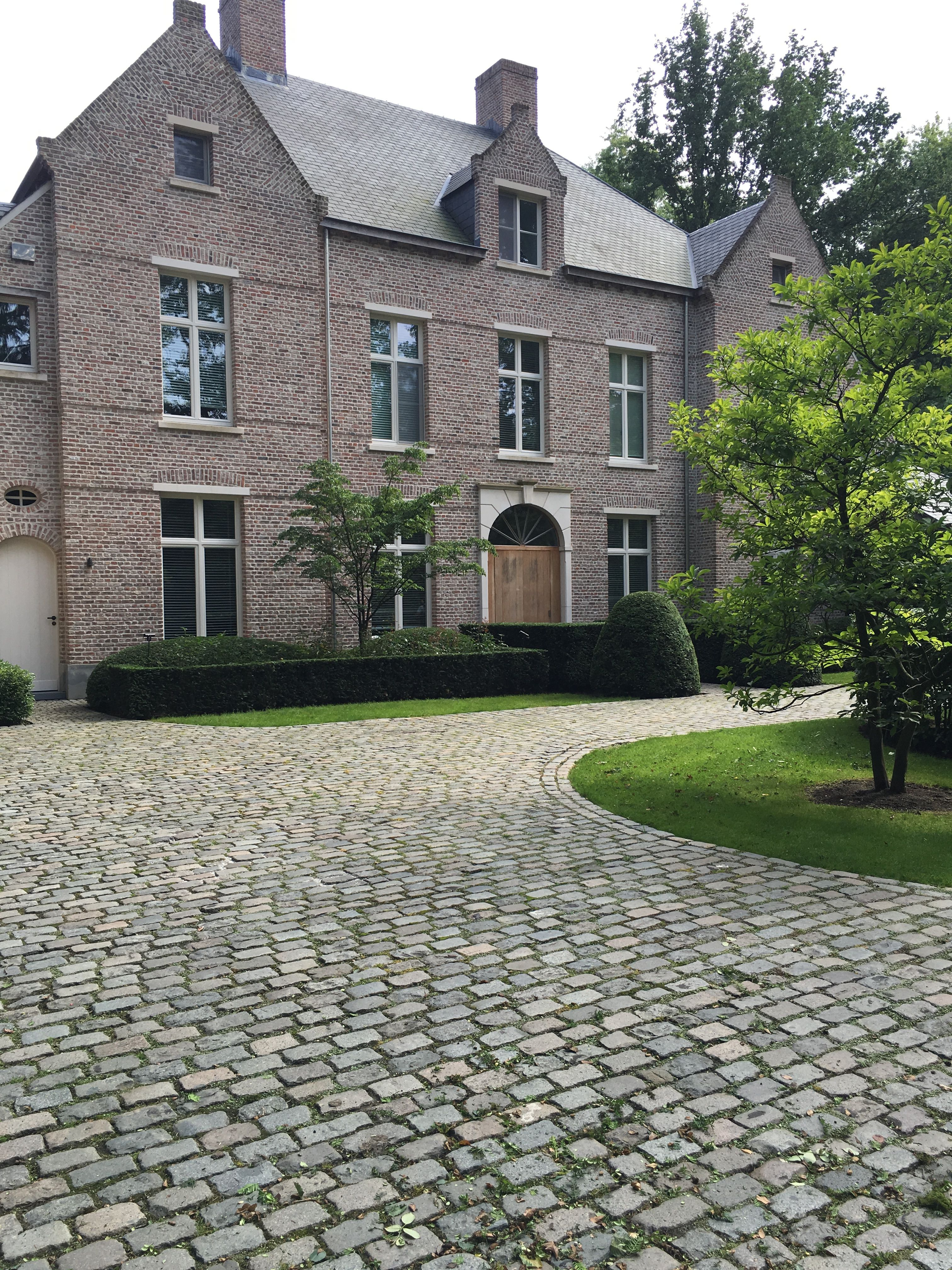 Oprit kasseien ontwerp vts tuinarchitectuur exterior for Oprit ontwerp