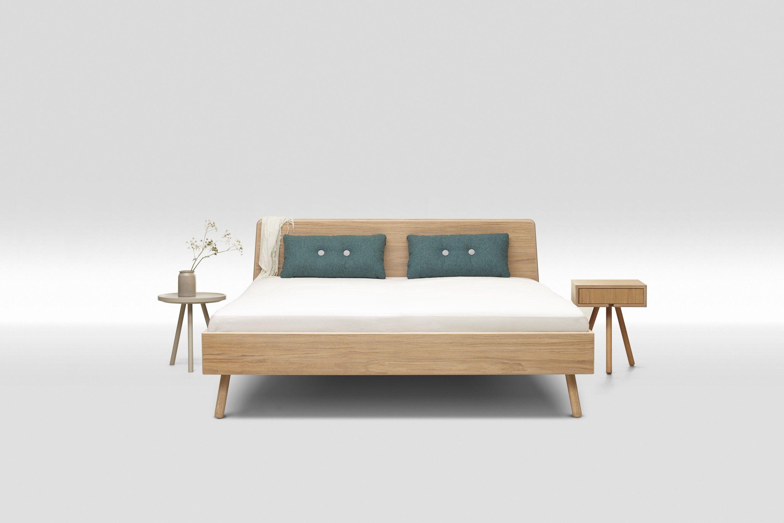 Bett Basket aus Eiche Mulitplex geölt mit Nachttisch in