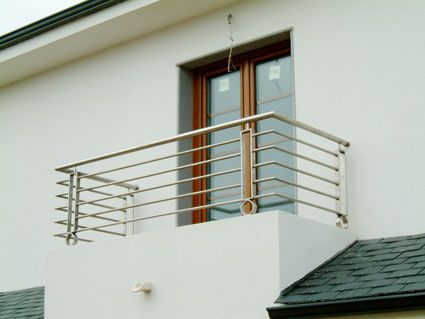Balcones Modernos Buscar Con Google Barandales De Aluminio Barandal Moderno Barandas Balcones