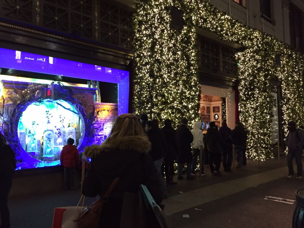 Shopping in NYC | New Yawk @ Christmas Time | Pinterest | Christmas ...