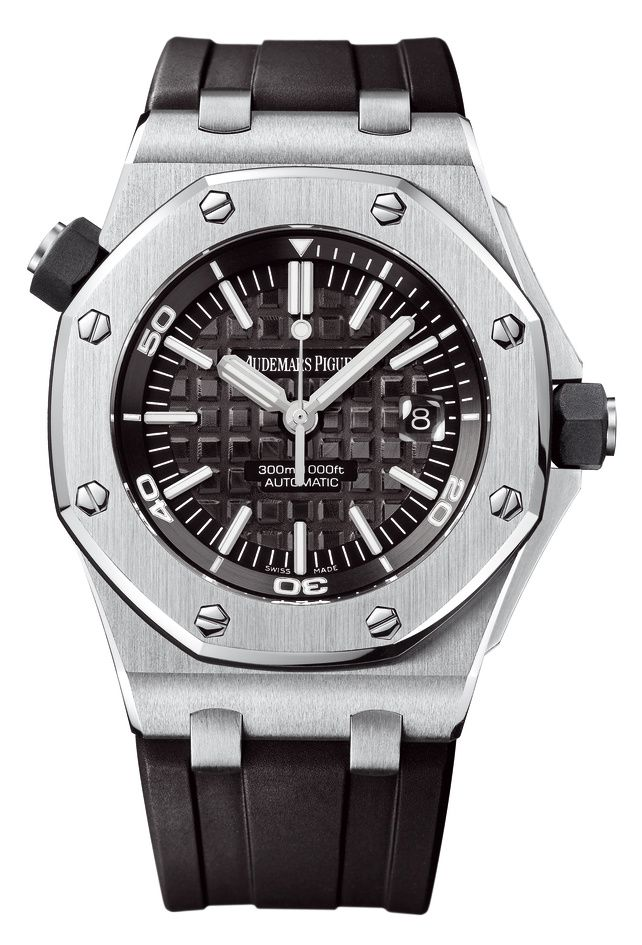 Royal Oak Offshore Diver is a simple and efficient diving watch with a desirable feel and look. 42mm stainless steel and self winding - this is a perfect watch for any water loving man.