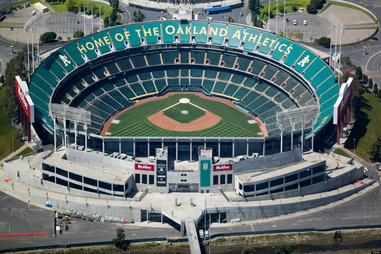 LOOK Oakland's Only Hope For Keeping Its Sports Teams