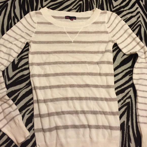 Striped sweater Off white brownish gray striped sweatshirt. Adorable! T/o sweaters Tops Sweatshirts & Hoodies