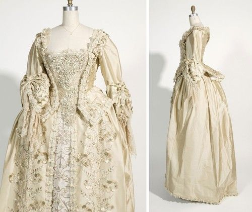 Elizabeth Swan\'s Wedding Gown in Pirates of the Carribean | sca ...