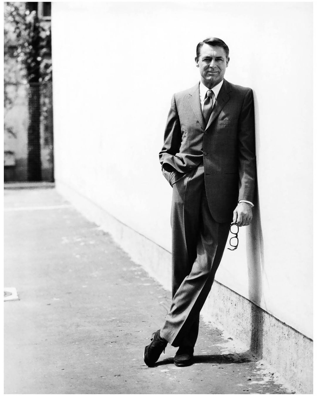 "ab296ab6 Gentleman's Gazette on Instagram: ""Cary Grant in Berlin in 1960 ..."