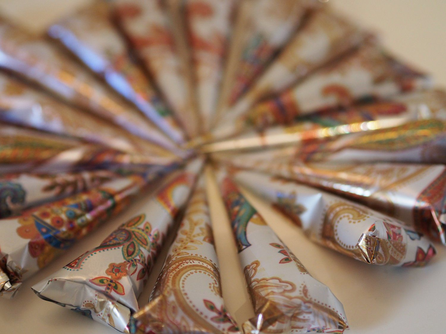 how to make colored henna paste