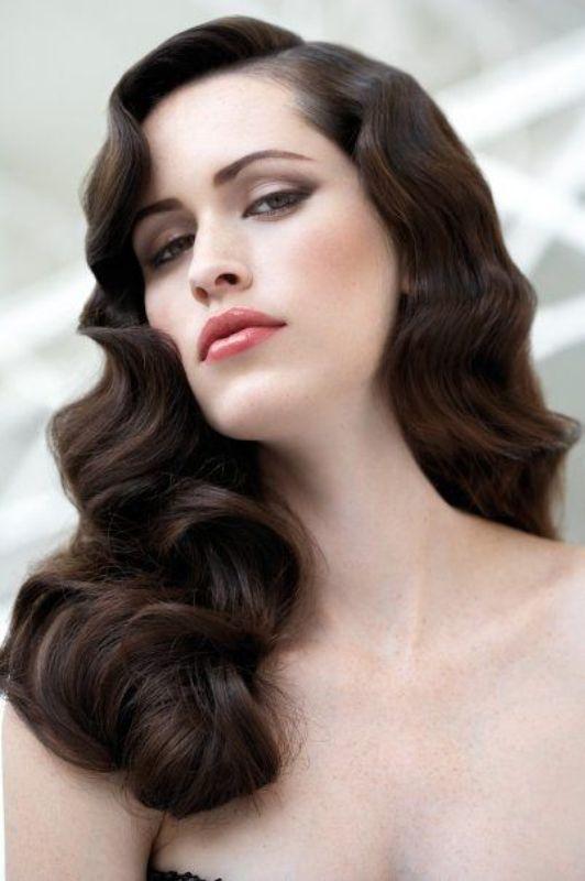 25 Stunning Vintage Waves Bridal Hair Ideas Weddingomania Hollywood Hair Hair Styles Old Hollywood Hair