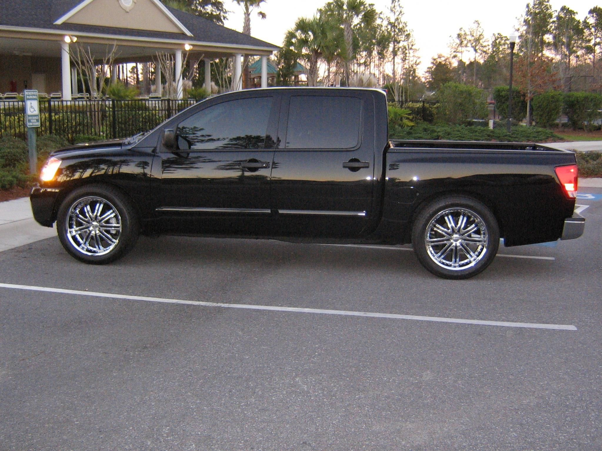 Nissan Titan On 22 Inch Rims Find the Classic Rims of Your Dreams - www.allcarwheels.com