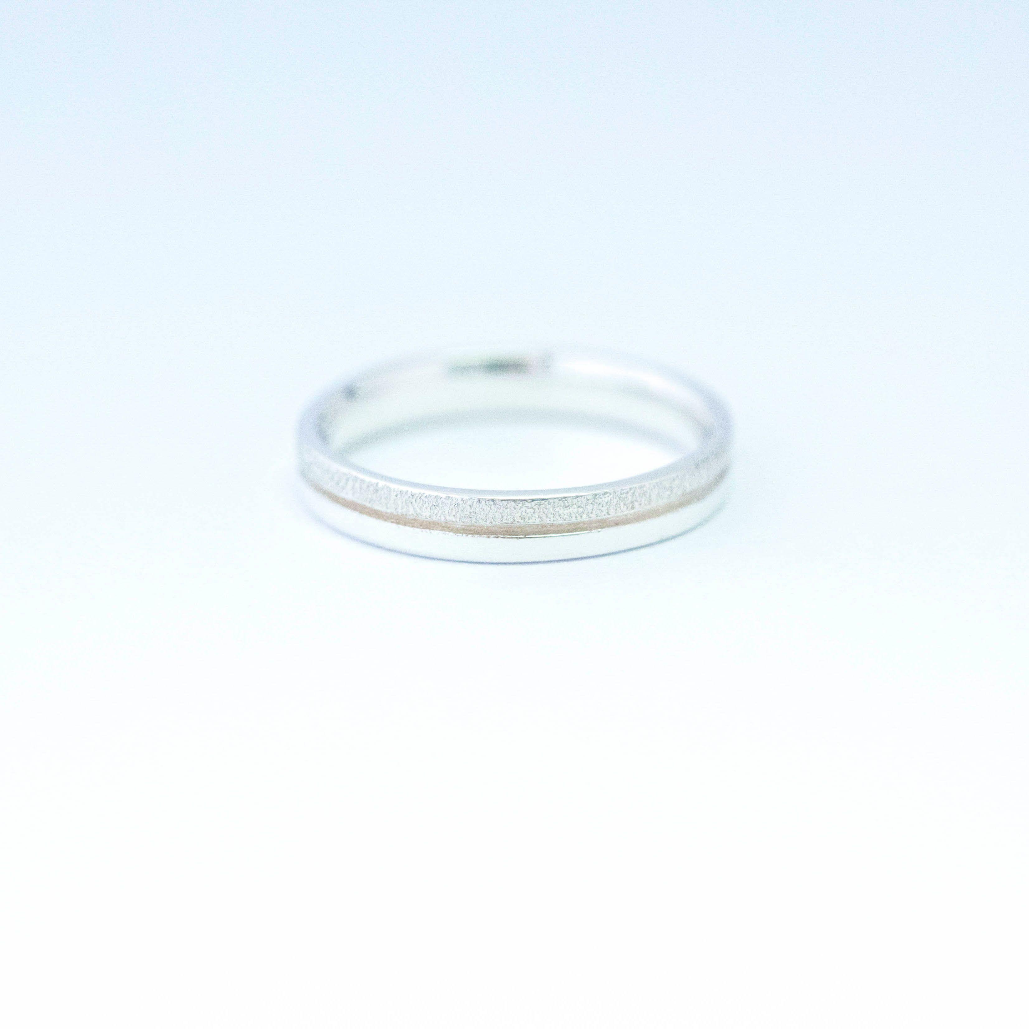 alliance originale pour femme et homme en or blanc 18 carats. bi