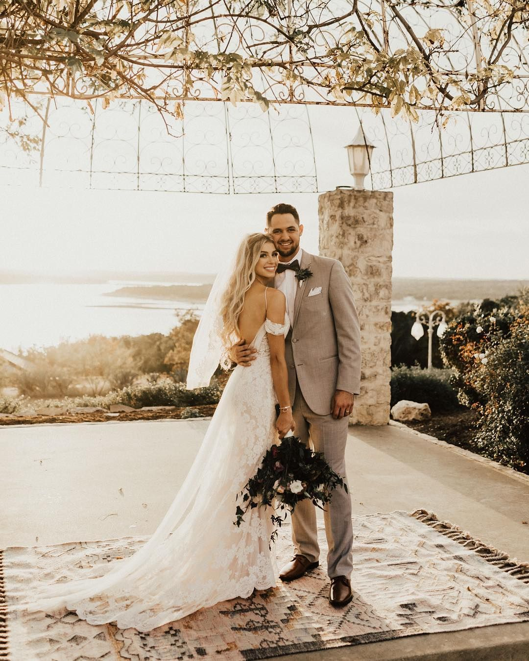 Boho Austin Texas Wedding At Vintage Villas Texas Wedding Photographer Wedding Dresses Wedding