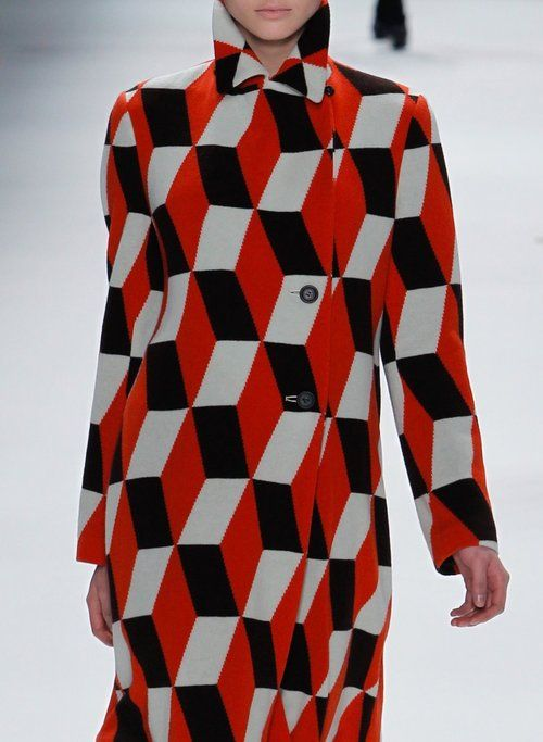 -Issey Miyake / Fall 2011 -carrelages  -tricolor