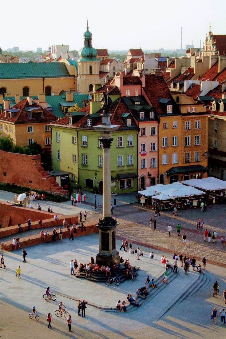 Warsaw Poland: 14 top attractions. Discover the most exciting things to do in Warsaw. The capital of Poland offers numerous attractions so let's choose the best ones. Warsaw is one of the most famous cities in Poland - great museums, interesting sights and fascinating history makes it one of the best travel destinations in Poland. #CityBreak #TravelPoland #EuropeTravel #EuropeanCities