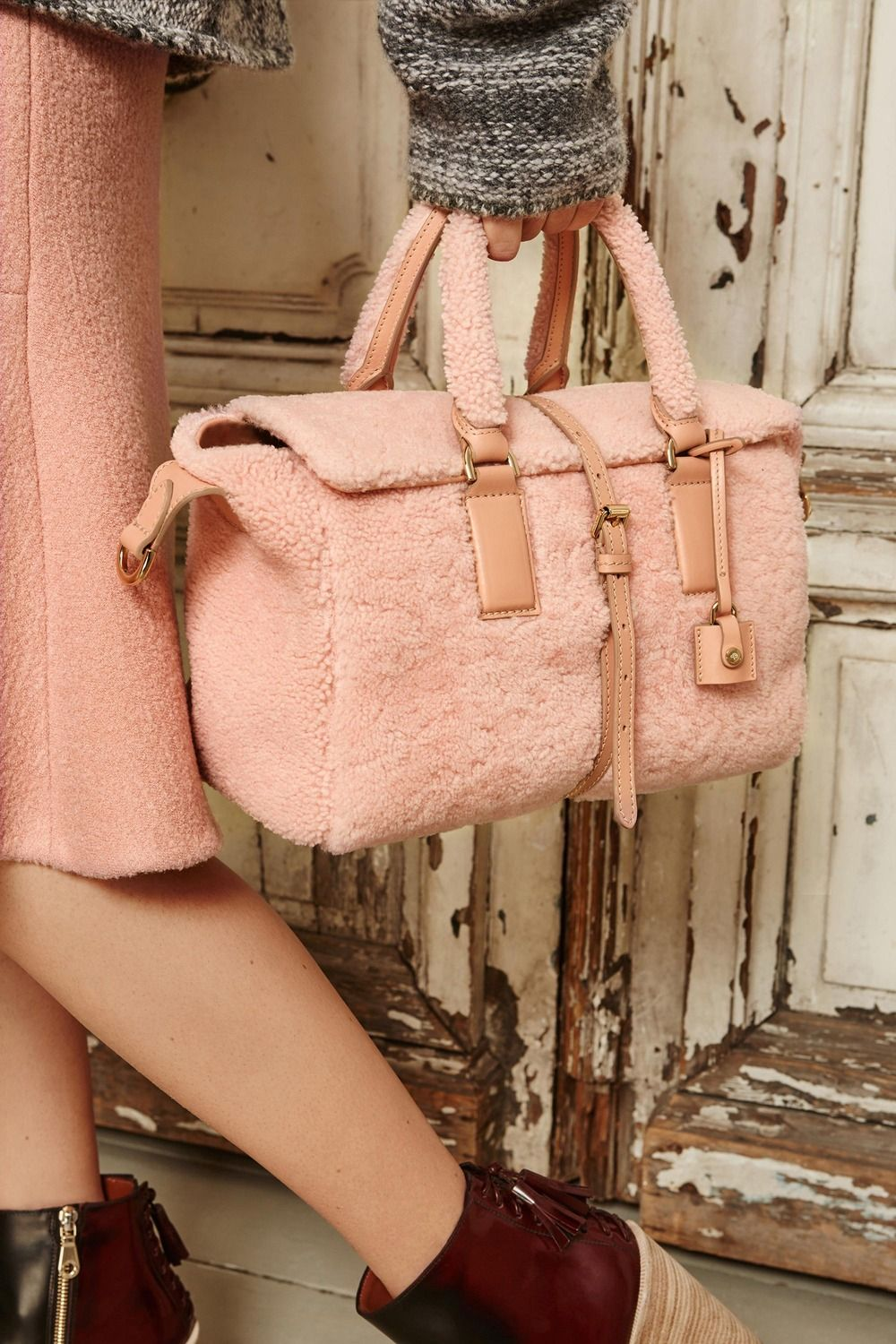 19f23a800921 reduced mulberry joel messenger crossbody bag. pristine 7f7ea 28857   wholesale and in the winner of bag wed most love to live in this structured  yet
