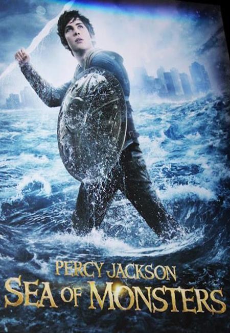 Percy Jackson Y El Mar De Los Monstruos Sea Of Monsters Percy Jackson Percy Jackson Movie