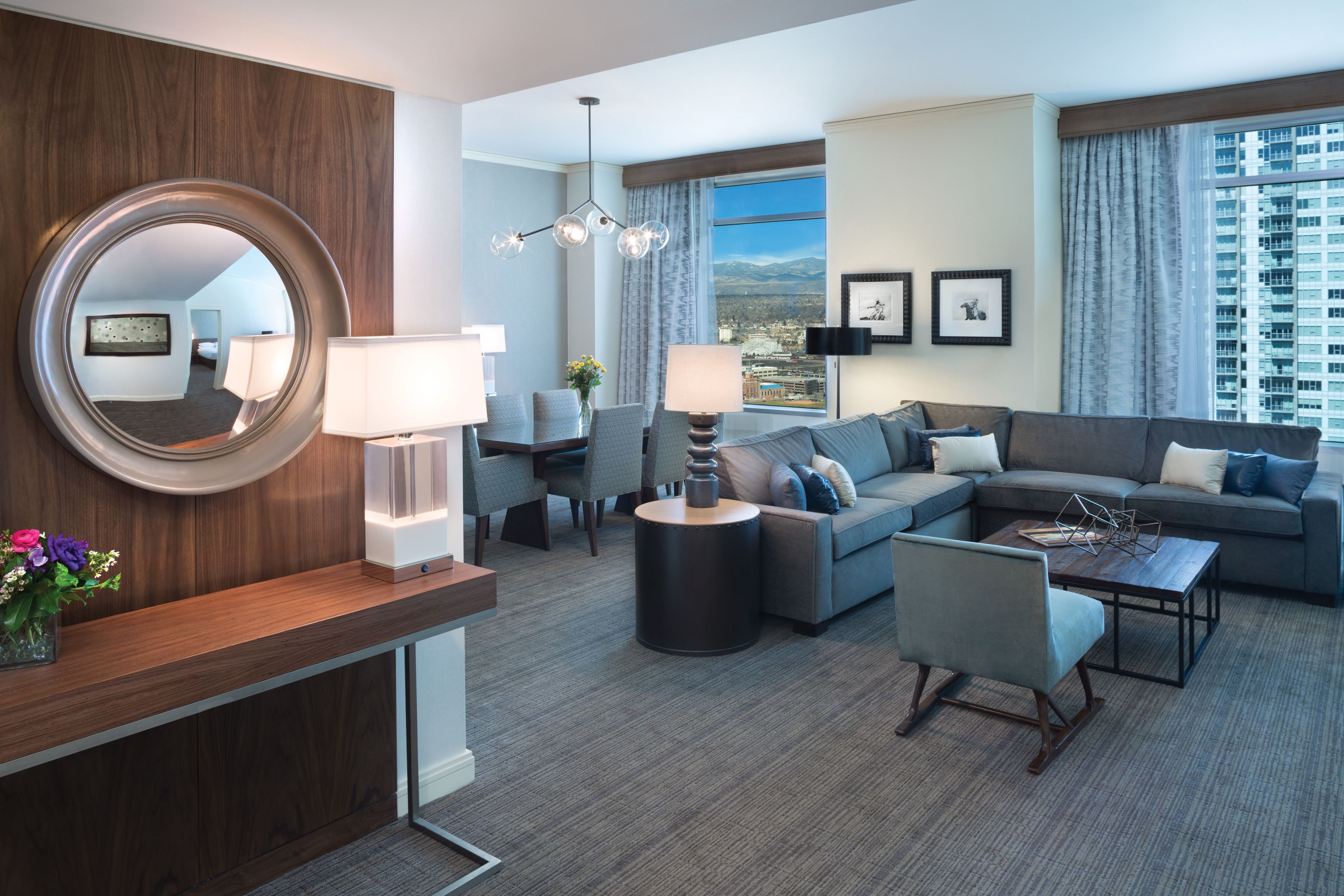 Blue Spruce Suite 1 080 Sq Ft Hyatt Regency Denver Denver