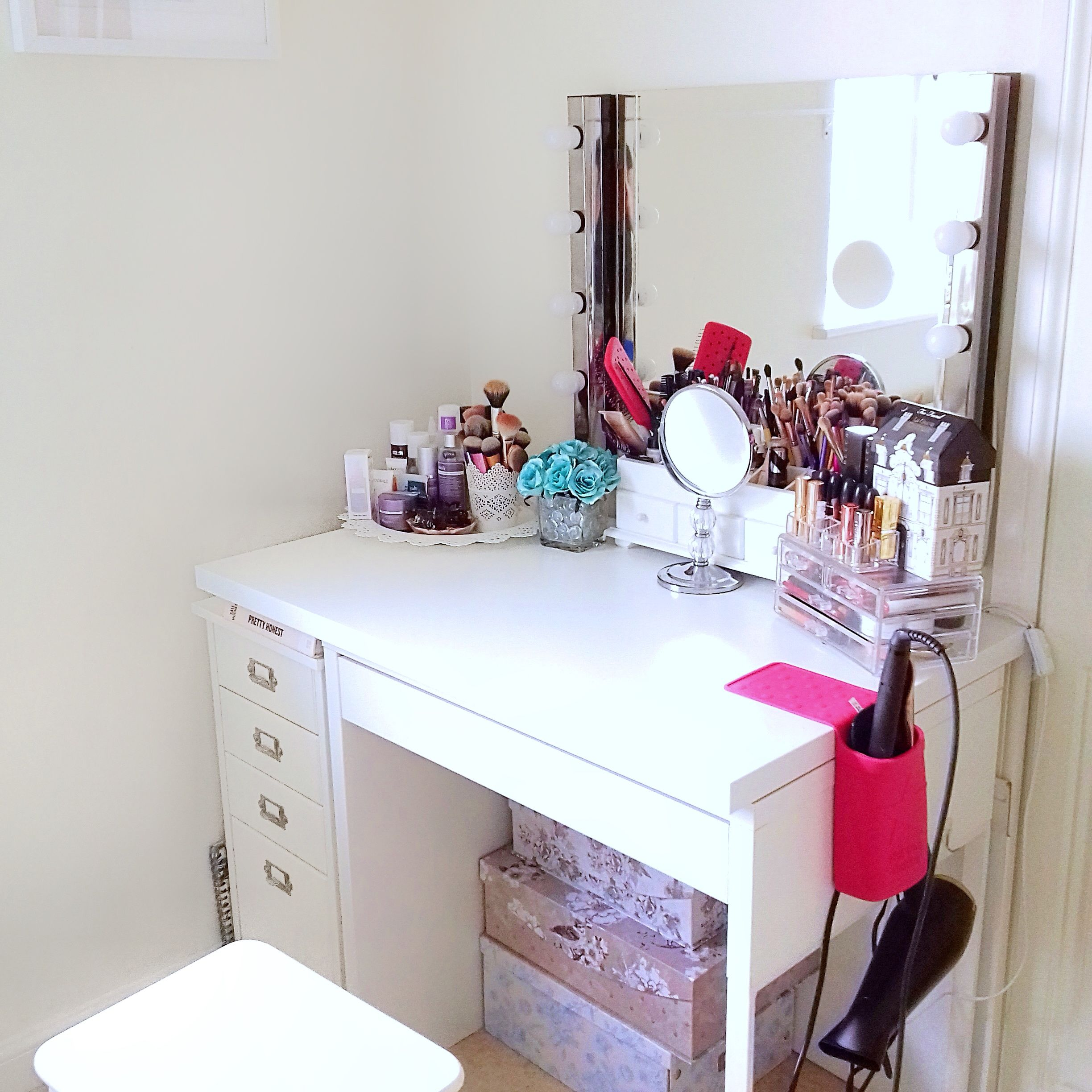 Dressing table idea using Micke Desk and Klimpen Drawer