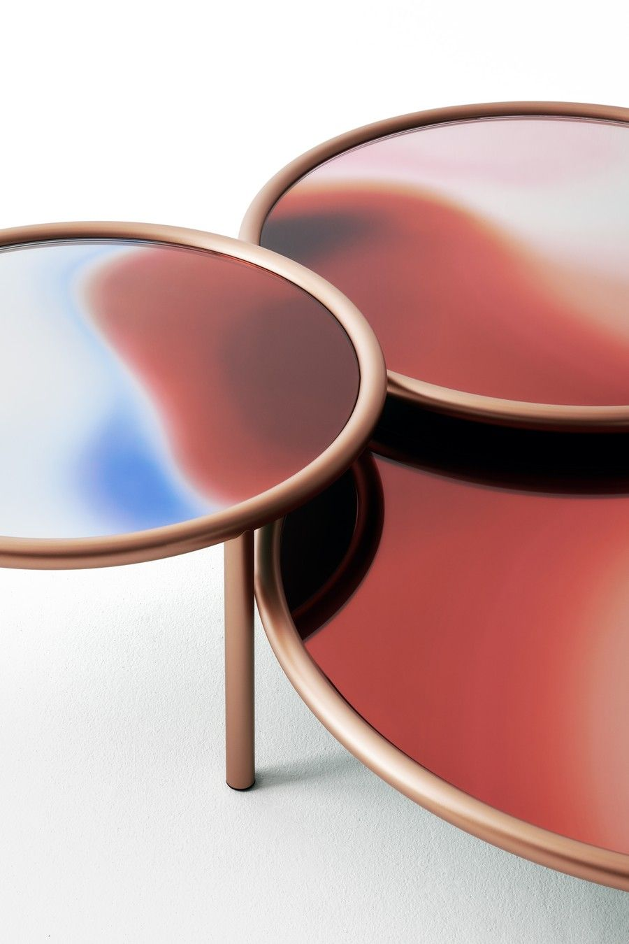 Find Milan Design Week S Novelties Brands Here Https Www Milandesignagenda Com Milan Design Week Novelties Brands Glass Table Coffee Table Glass Furniture [ jpg ]