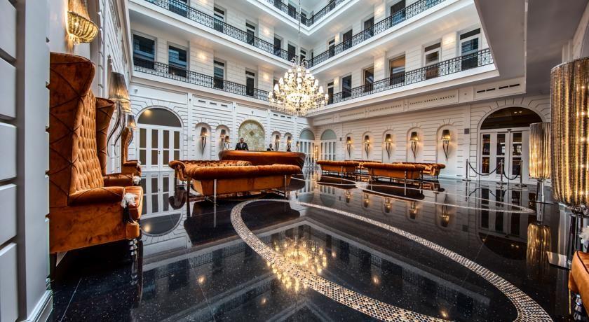 R$465 Situado num edifício histórico restaurado, no centro da cidade, o Prestige Hotel Budapest, de 4 estrelas, está a 200 metros do Rio Danúbio e a 300 metros...