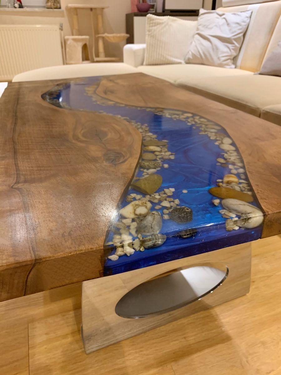Epoxid River Couchtisch Mit Led Beleuchtung Und Chrom Tischgestell Couchtisch Tisch Tischgestell