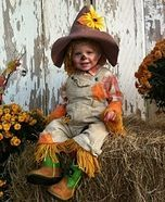 Homemade Costumes for Babies #epouvantaildeguisement Scarecrow Costume #epouvantaildeguisement
