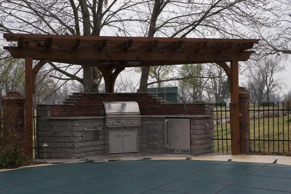 Stupendous outdoor covers for outdoor kitchen with corner for Outdoor kitchen pergola ideas