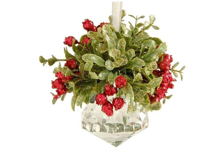 9 Best Mistletoe Kissing Balls For Christmas Christmas Pickle