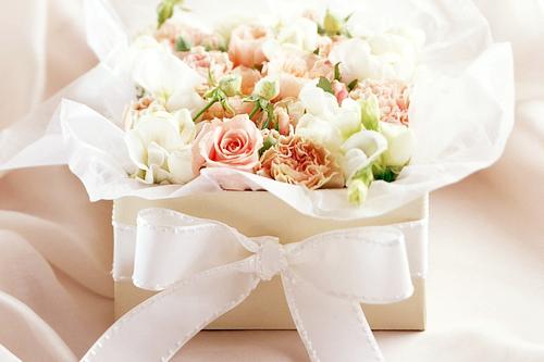 box of flowers<3