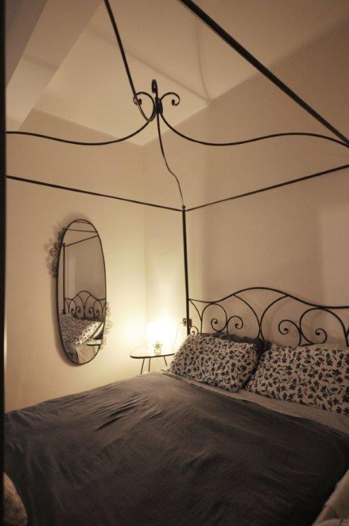 Camera da letto con baldacchino in ferro | SilvanaCitterioInteriors ...