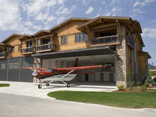 Can You Park A Plane In Your Garage Well You Can At