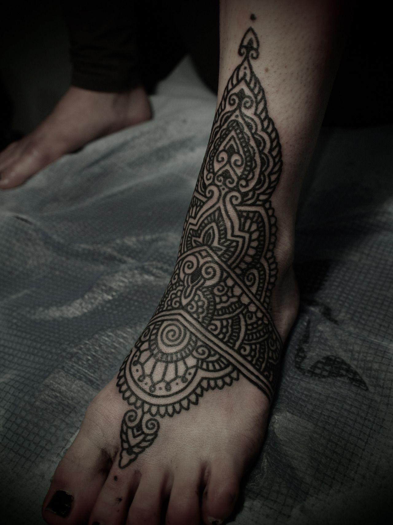 On Sarah Nouméa , NEW CALEDONIA December 2012 Body art