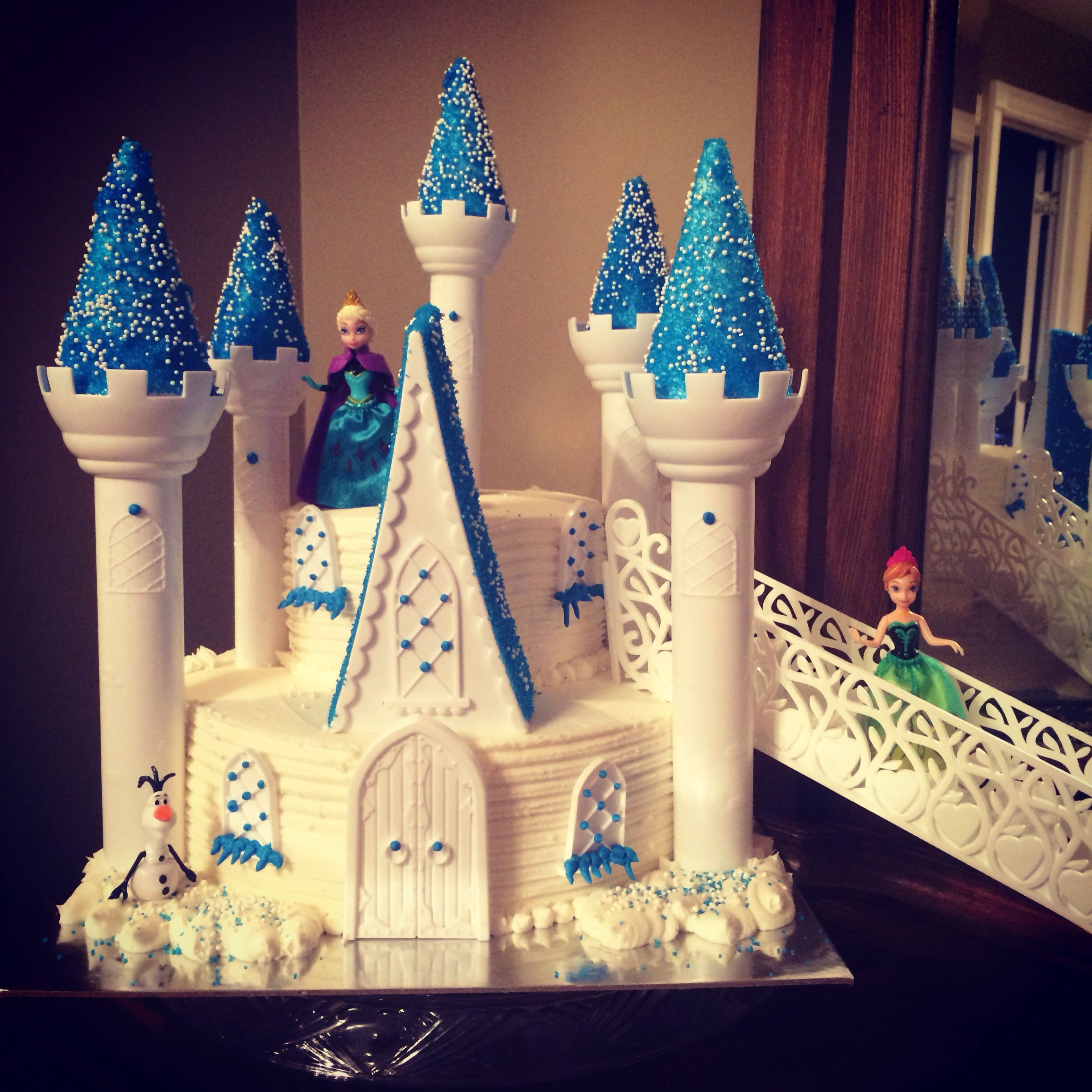 The 25 Best Frozen Castle Cake Ideas On Pinterest Elsa