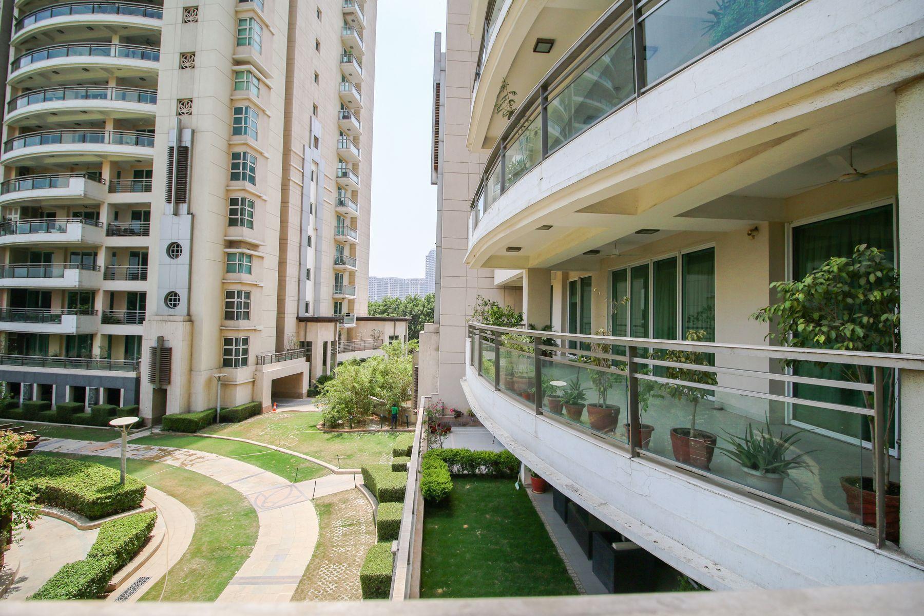 DLF Aralias 4 BHK Apartments in Gurgaon Apartments for