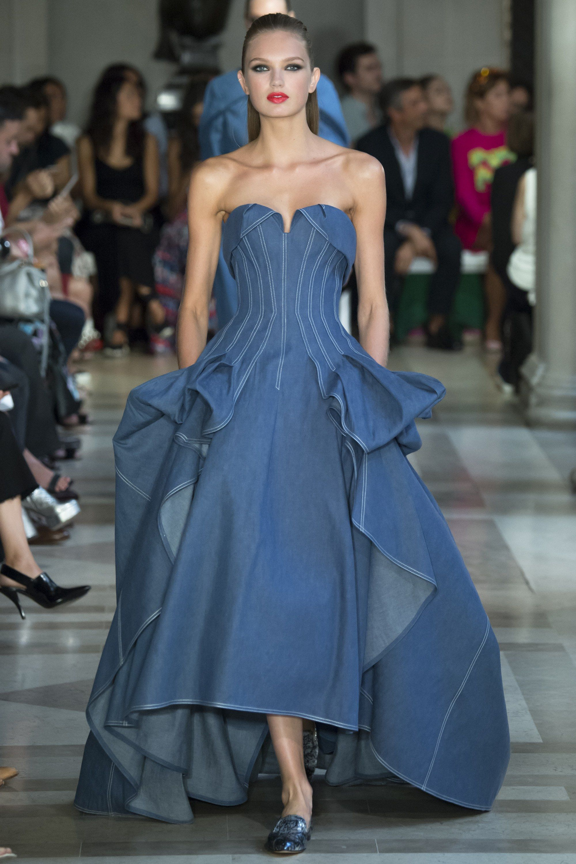 No one blinked at the marc jacobs fashion show when a model wore a - The Complete Carolina Herrera Spring 2017 Ready To Wear Fashion Show Now On Vogue Runway
