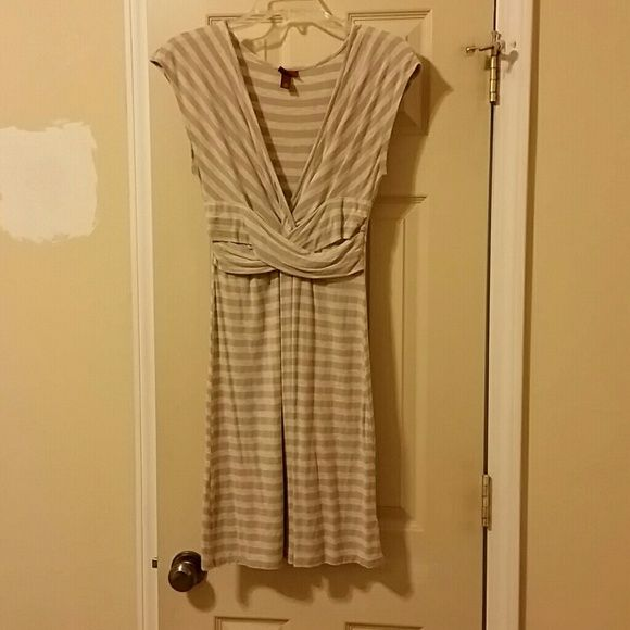 Merona Jersey Striped Dress Comfy summer dress you can dress up or down. Beige/neutral color. It is pre-loved but still has a lot of wear left. Still in good condition. Merona Dresses Midi