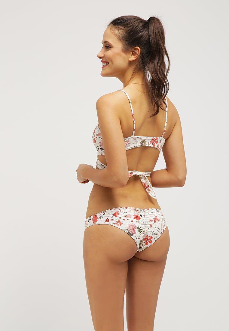 8bb87c72dfae7 L*Space CHLOE - Bikini top - cream for £105.00 (30/05/16) with free delivery  at Zalando