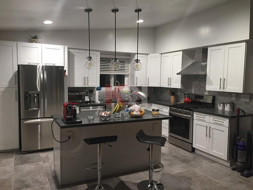 Ice White Shaker Cabinets by Kitchen Cabinet Kings ...
