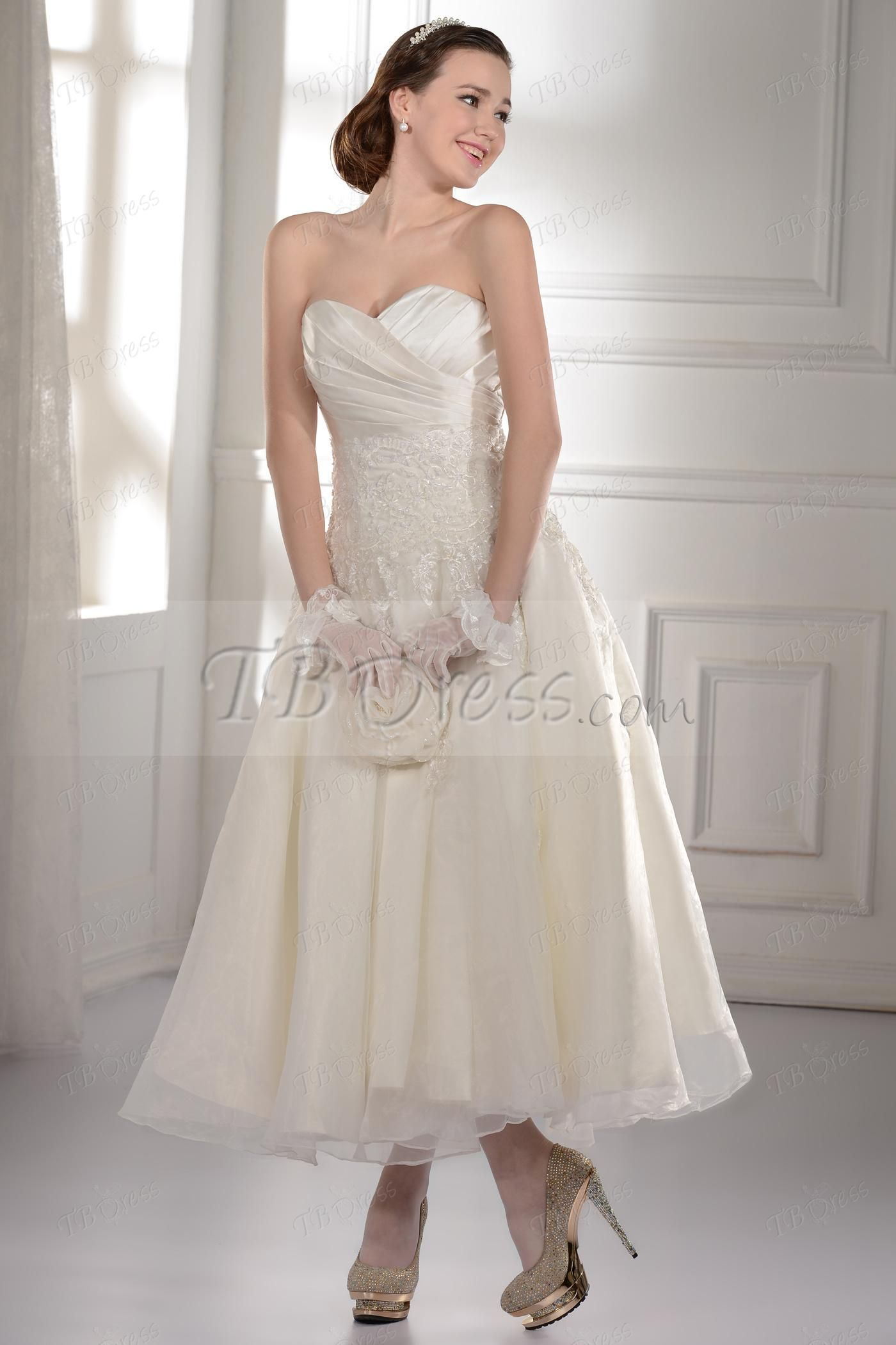 Sweetheart aline ruched tealength appliques wedding dress tea