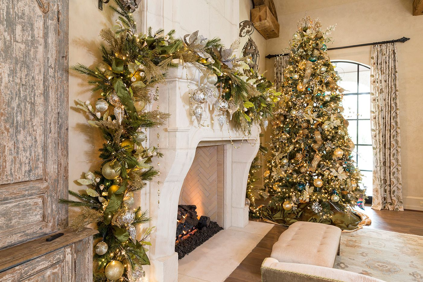 Mantle and Christmas Tree coordinating decorations