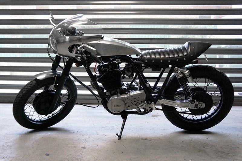 Yamaha SR 400 | $8.250 | Australia