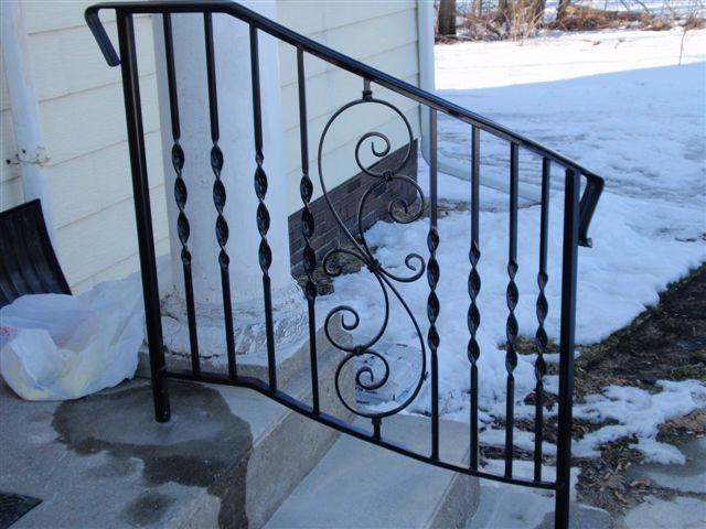Best Sturdy Exterior Railing Adds Safety For Exterior Steps 640 x 480