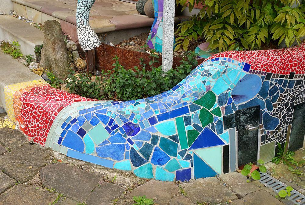 DIY Kleine Bunte Geschwungene Freestyle Mosaikmauer Betonmauer - Mosaik fliesen draußen