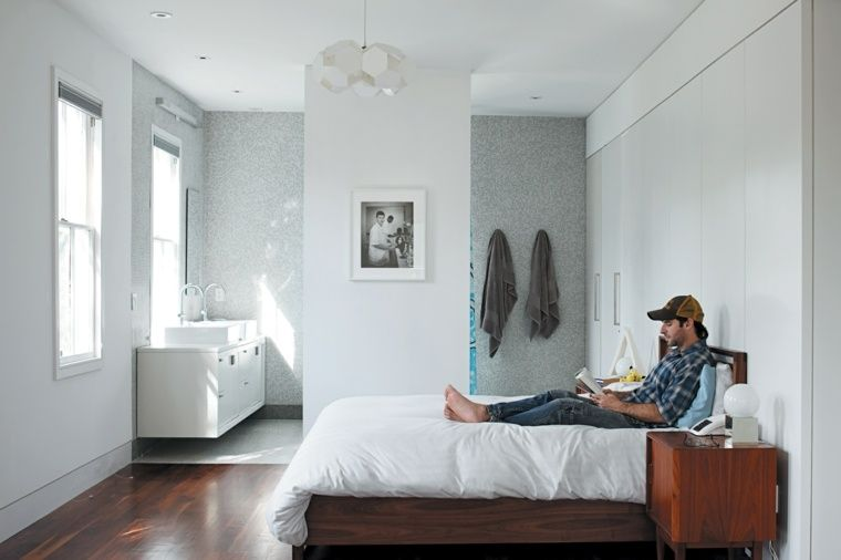 chambre à coucher avec salle de bain élégante