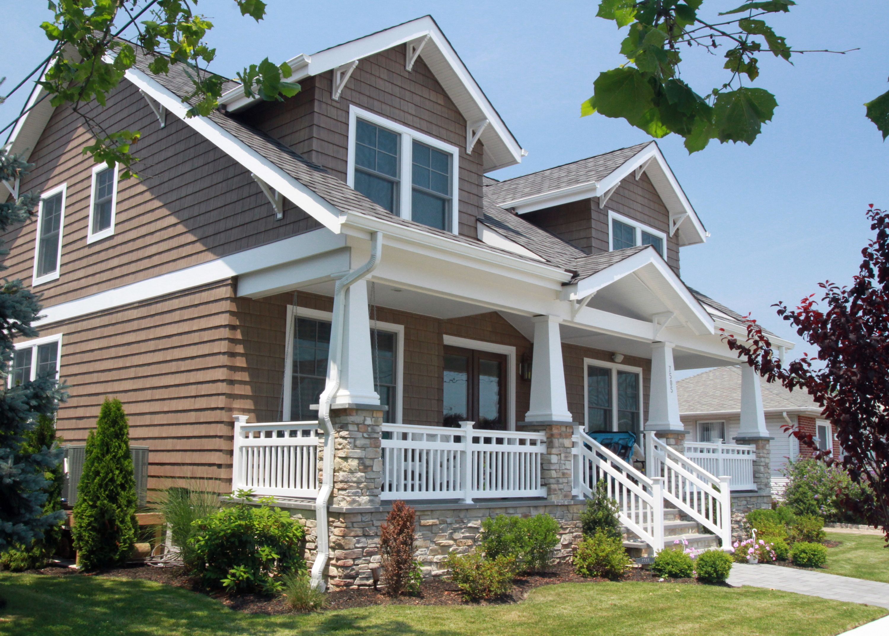 Craftsman style homes with front porches
