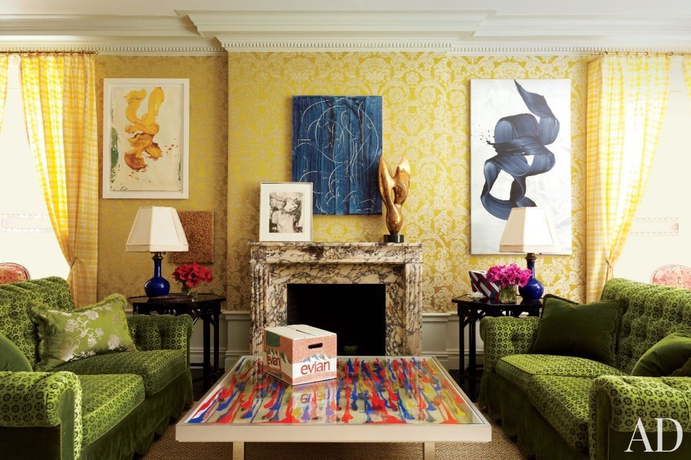Spirited art meets colorful fabrics in a New York living room ...