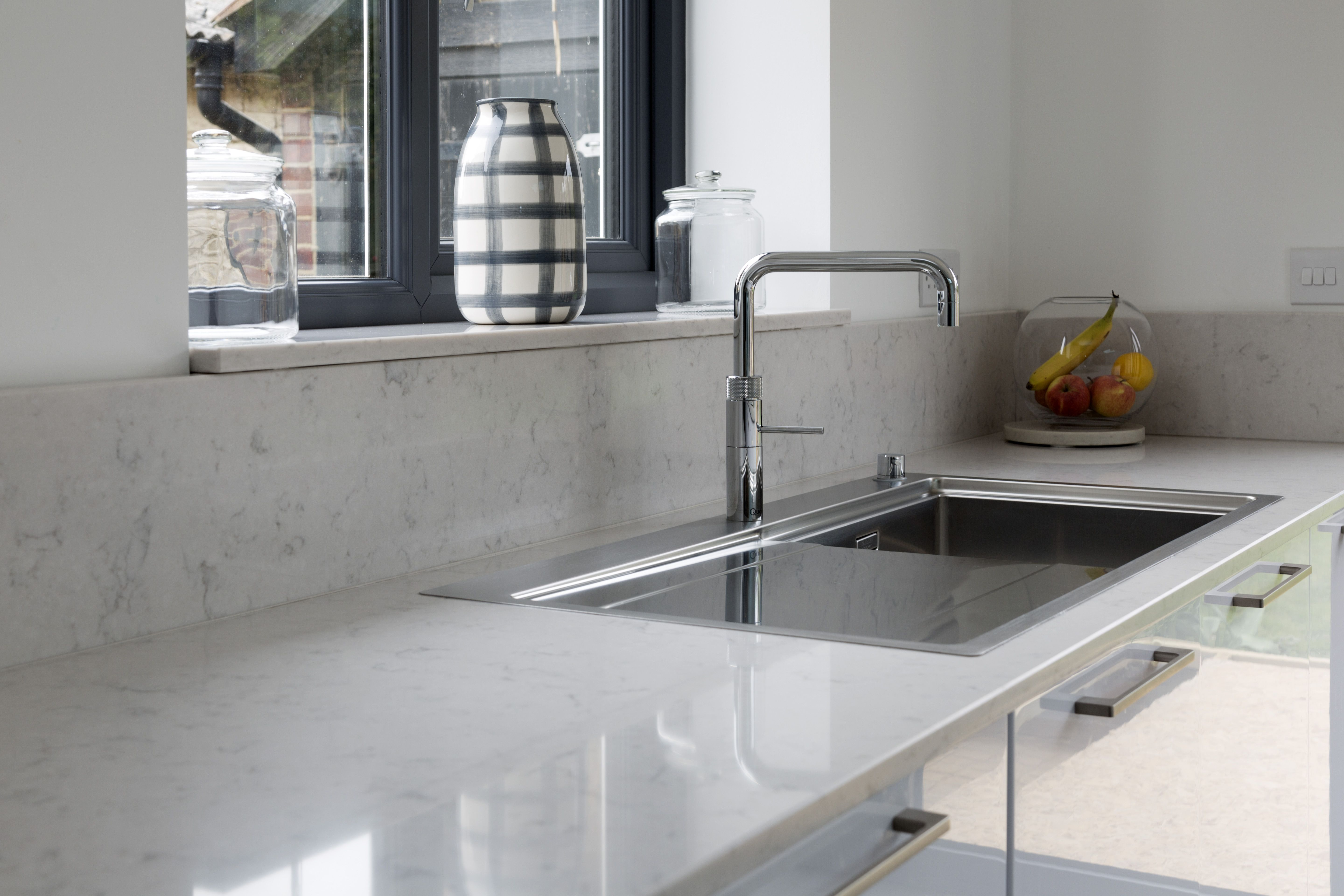 fascnatng slestone lagoon for modern your ktchen.htm 20mm silestone lagoon has been installed in this modern airy  20mm silestone lagoon has been