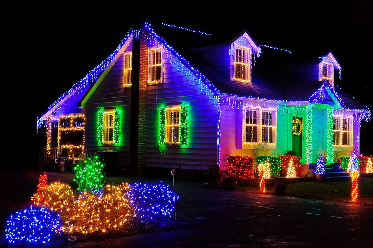 35 Awesome Backyard Design With Christmas Lights Ideas