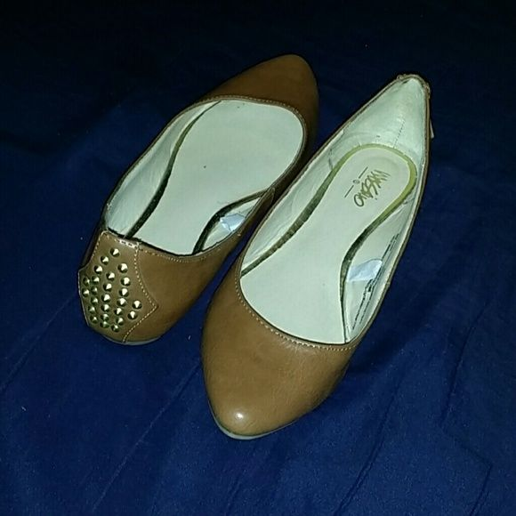 Pointy flats with studds on the back Mossimo flats. Pointy with studds in the back. All studds are still intact. No stains, no tears, no discoloration. Worn a few times. Size 5.5 no trades, only looking to sell Mossimo Supply Co Shoes Flats & Loafers