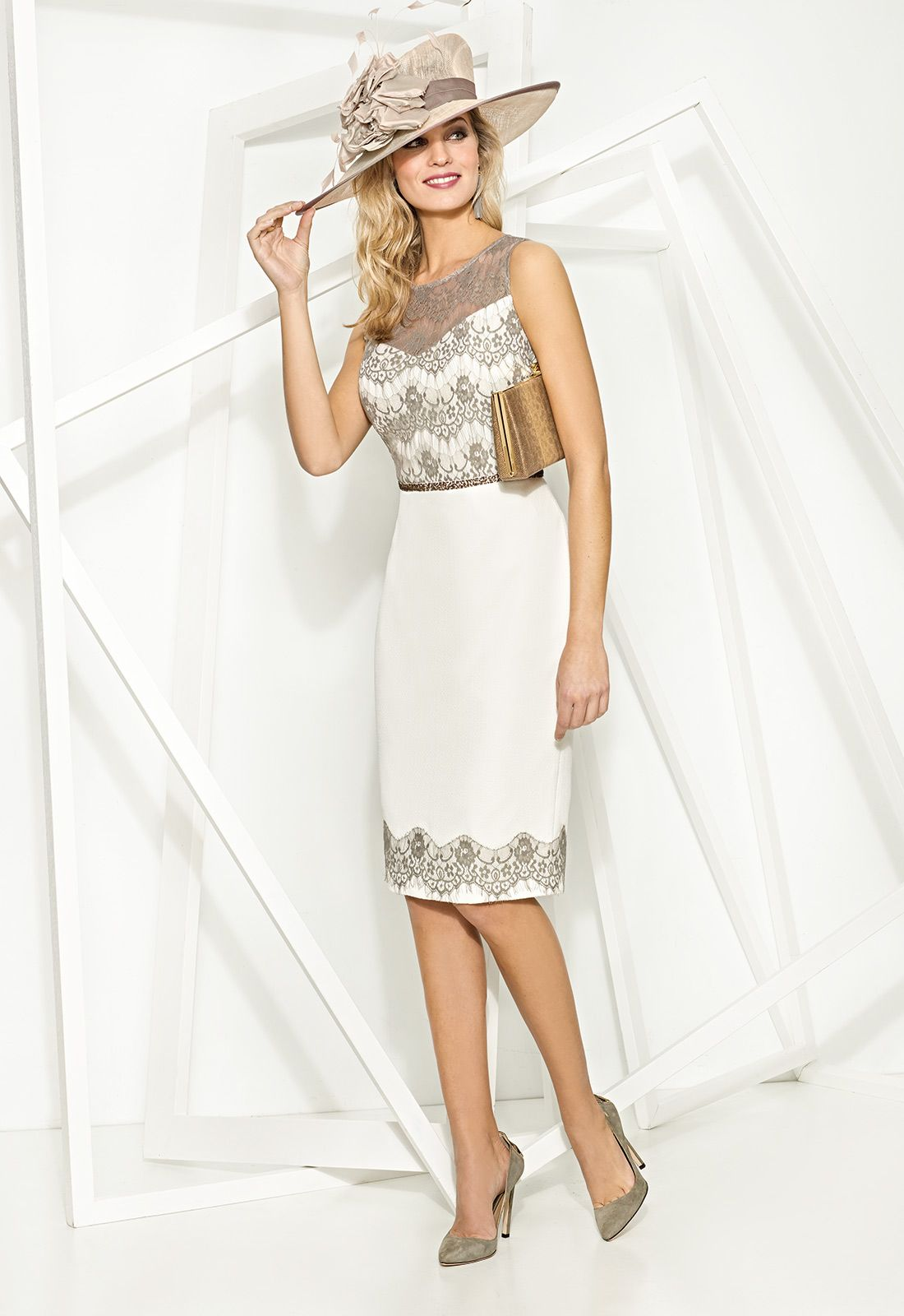 8bf3048af Consigue el vestido Donna 7765 en Cabotine. Todo en las últimas tendencias  y los mejores diseños.