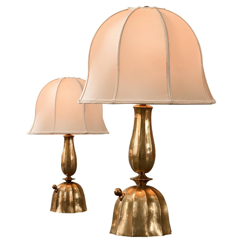 Josef Hoffmann For The Wiener Werkestatte Pair Of Hammered Brass Table Lamps 1stdibs Com Table Lamp Brass Table Lamps Vintage Table Lamp